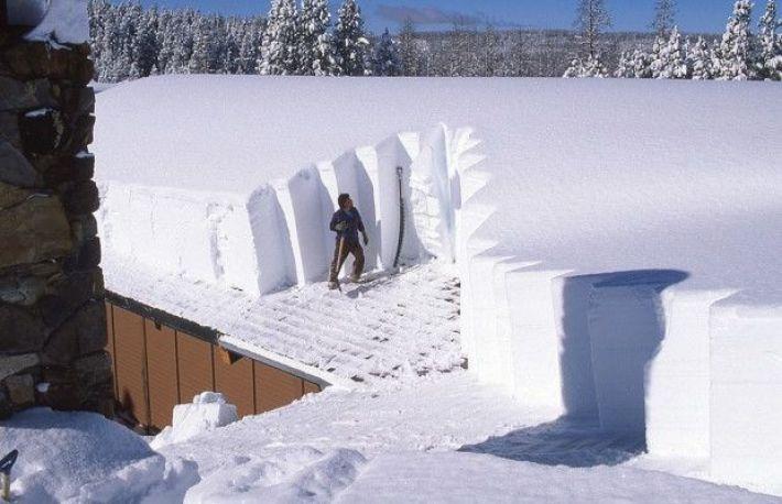 Cum Sa Inlaturi Zapada De Pe Acoperisul Casei