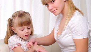 Cum se trateaza taieturile si zgarieturile copiilor