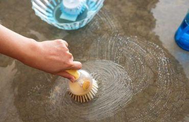 5 metode de indeparte a mirosului animalelor de companie de pe suprafetele de beton  #MirosAnimale #IndepartareMirosAnimale