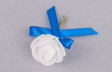 Cine cumpara cocardele invitatilor la nunta? #Cocarde #CocardeNunta