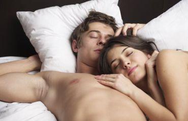 7 motive pentru care ar trebui sa dormi dezbracat #Somn #SomnOdihnitor