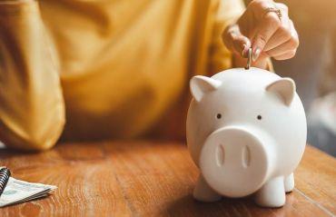Esti tanar? Iata cateva metode prin care sa economisesti o multime de bani #Bani #Economii